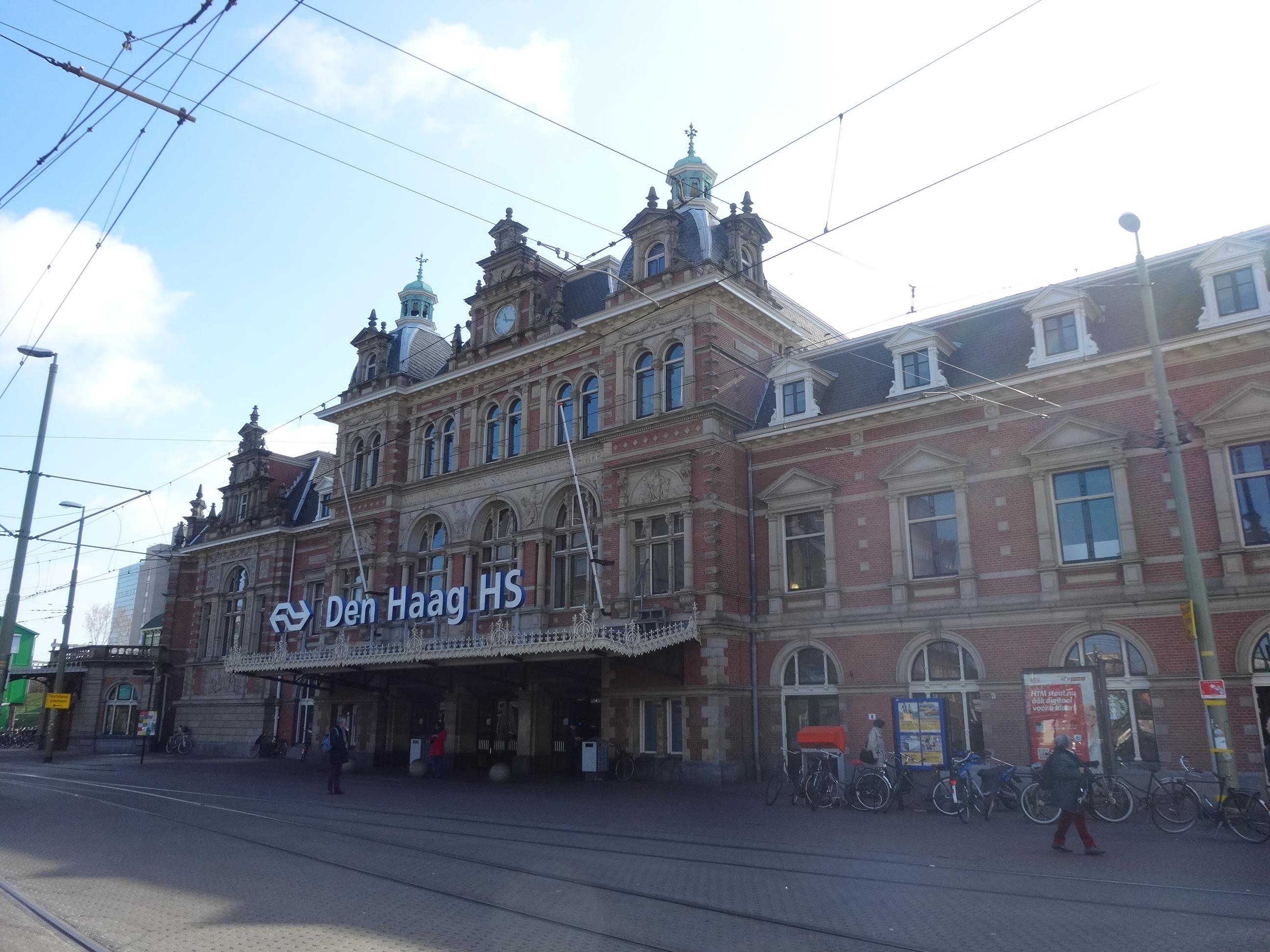 Nederland tussen den haag hollands spoor en den haag for Waldos travel den haag