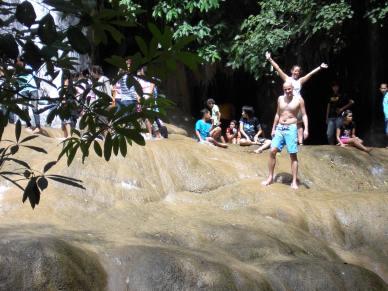 Sai Yok watervallen Kanchanaburi Thailand